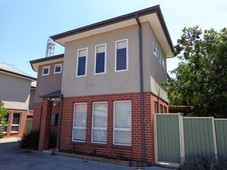 1/83 Dunnings Road Point Cook