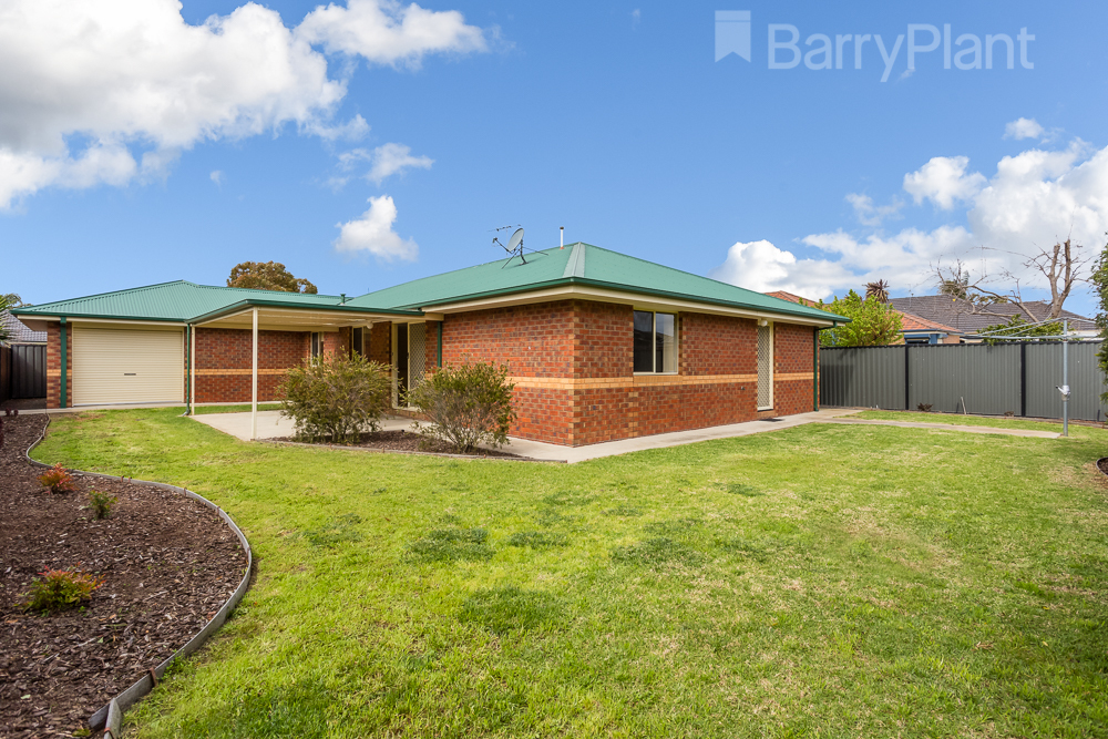 17 Trapani Avenue Point Cook