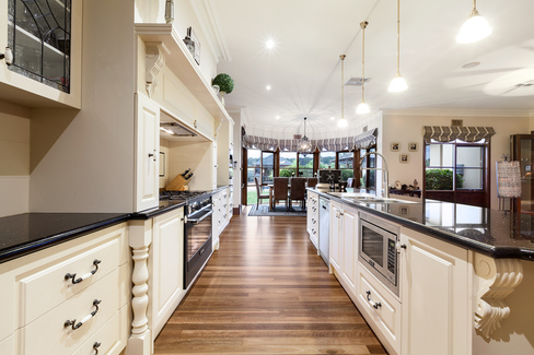 property/561343/62-64-laurimar-hill-drive-doreen/ image
