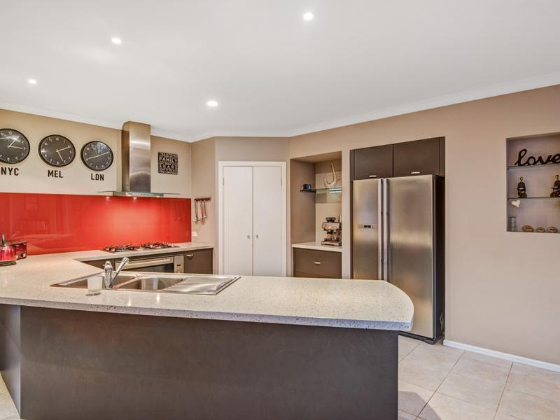 27 Whitlam Green Point Cook