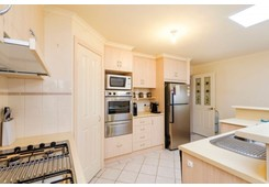 property/557367/15-leicester-mews-leopold/ image