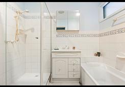 8 Gibcoe Street Greensborough image