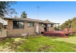 property/557377/1-boolarong-drive-belmont/ image