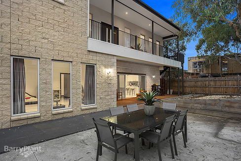 property/555379/10-12-elle-close-bundoora/ image