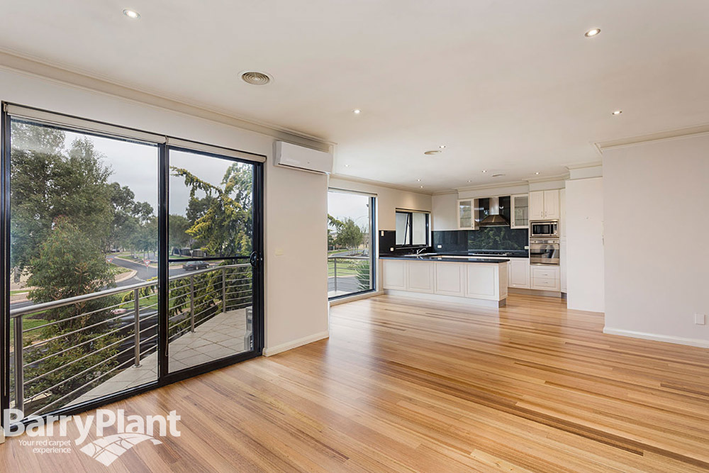 2/2 Sandlewood Lane Point Cook