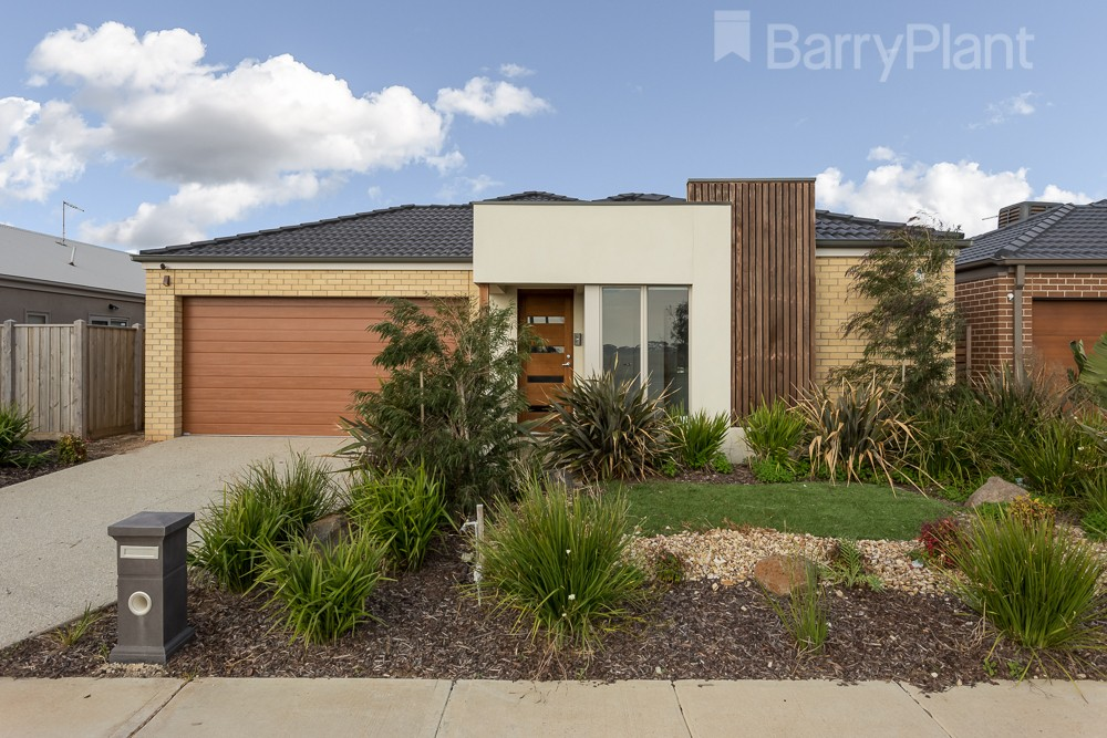 15 Seagrass Crescent Point Cook