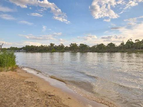 property/531417/15-riverview-rise-gol-gol/ image