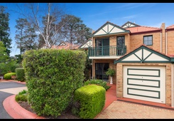 8/10 Stringybark Close Forest Hill