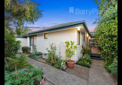 4/1 David Street Knoxfield image