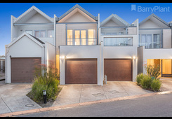 12/9 Greg Norman Drive Sanctuary Lakes