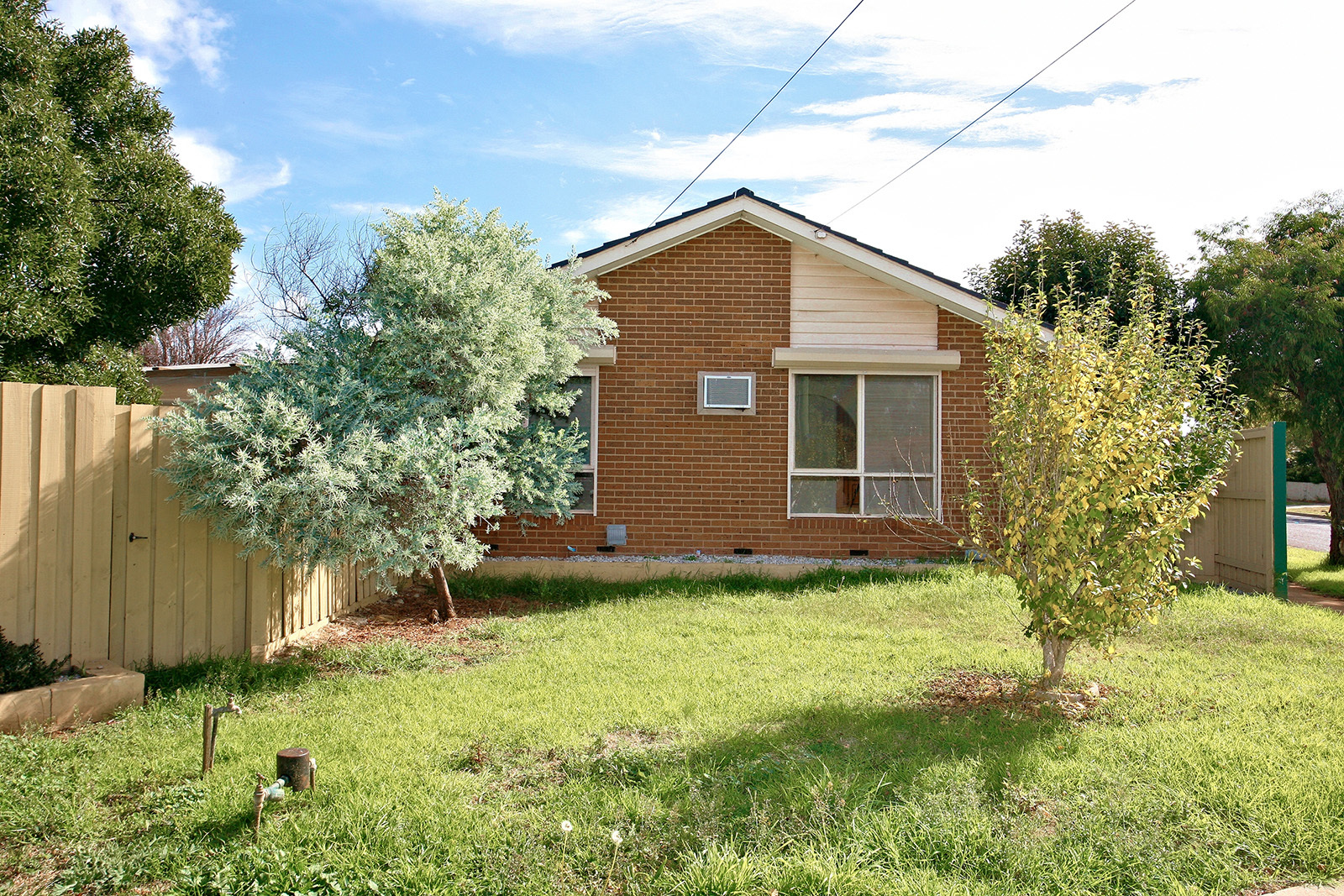 8 Cook Road Melton South