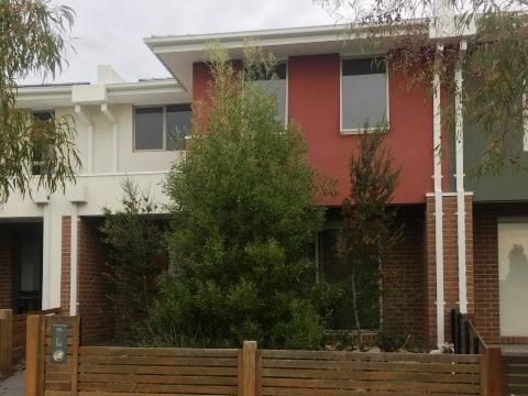 6 Swan View Walk Point Cook