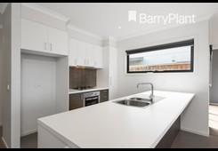 property/564596/29-fleminton-rise-officer/ image