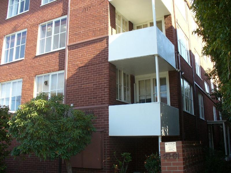 5/27 Powlett Street East Melbourne