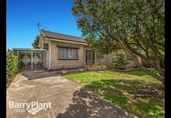 33 Pennell Avenue St Albans