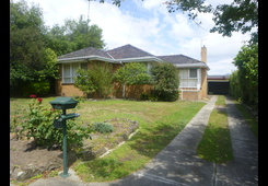 11 Pamela Street Mount Waverley