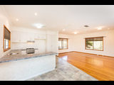 61 Oak Avenue Birdwoodton - image