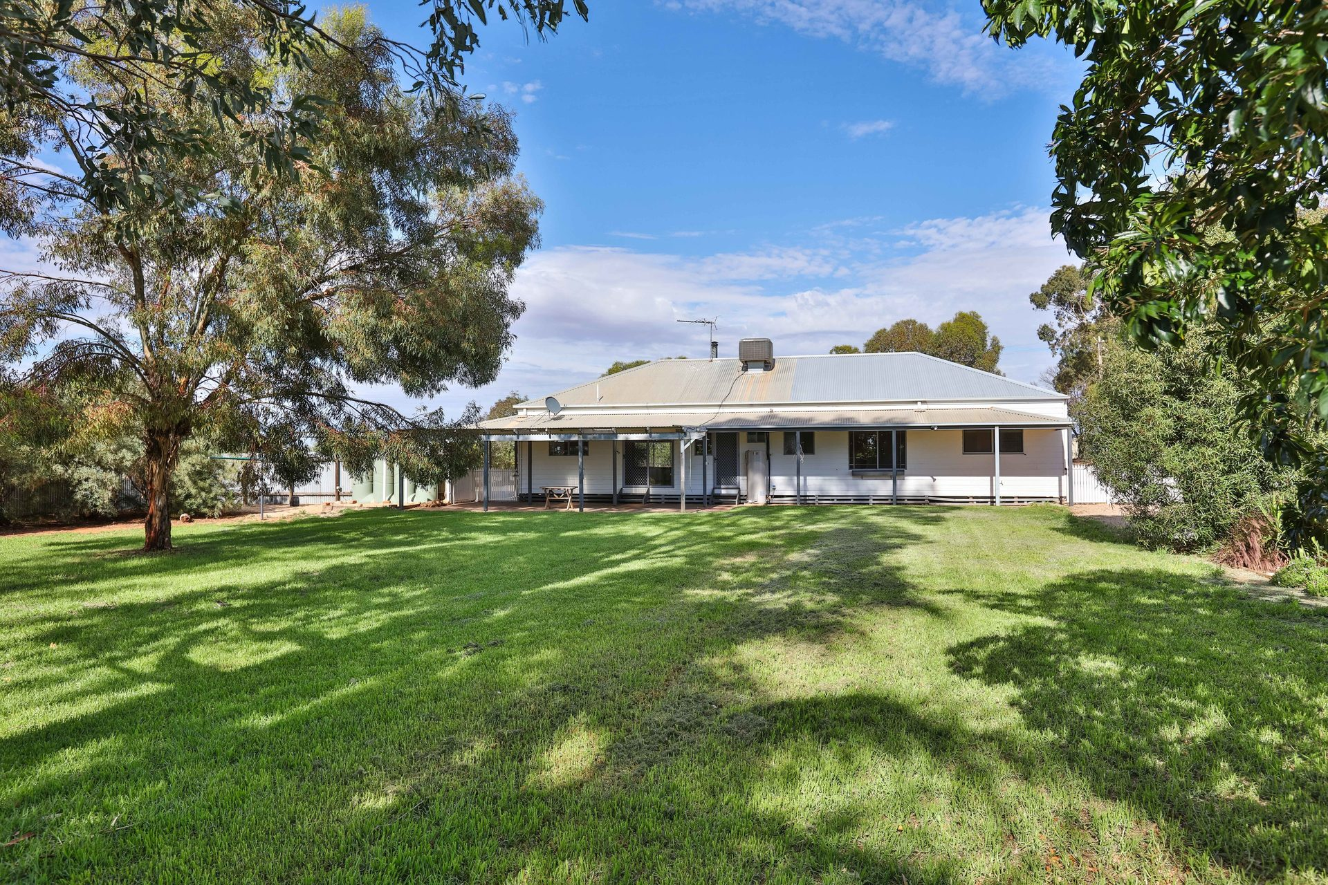 61 Oak Avenue Birdwoodton