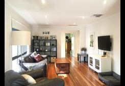 349 Queen Street Altona Meadows image