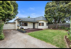 67 Dandenong Road East Frankston image