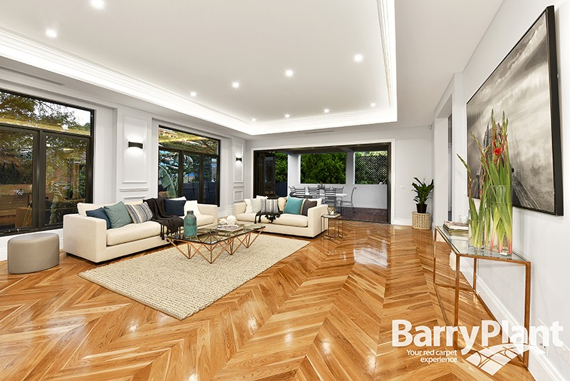 6 Milloo Crescent Mount Waverley