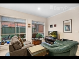 1/15 Covent Gardens Point Cook - image