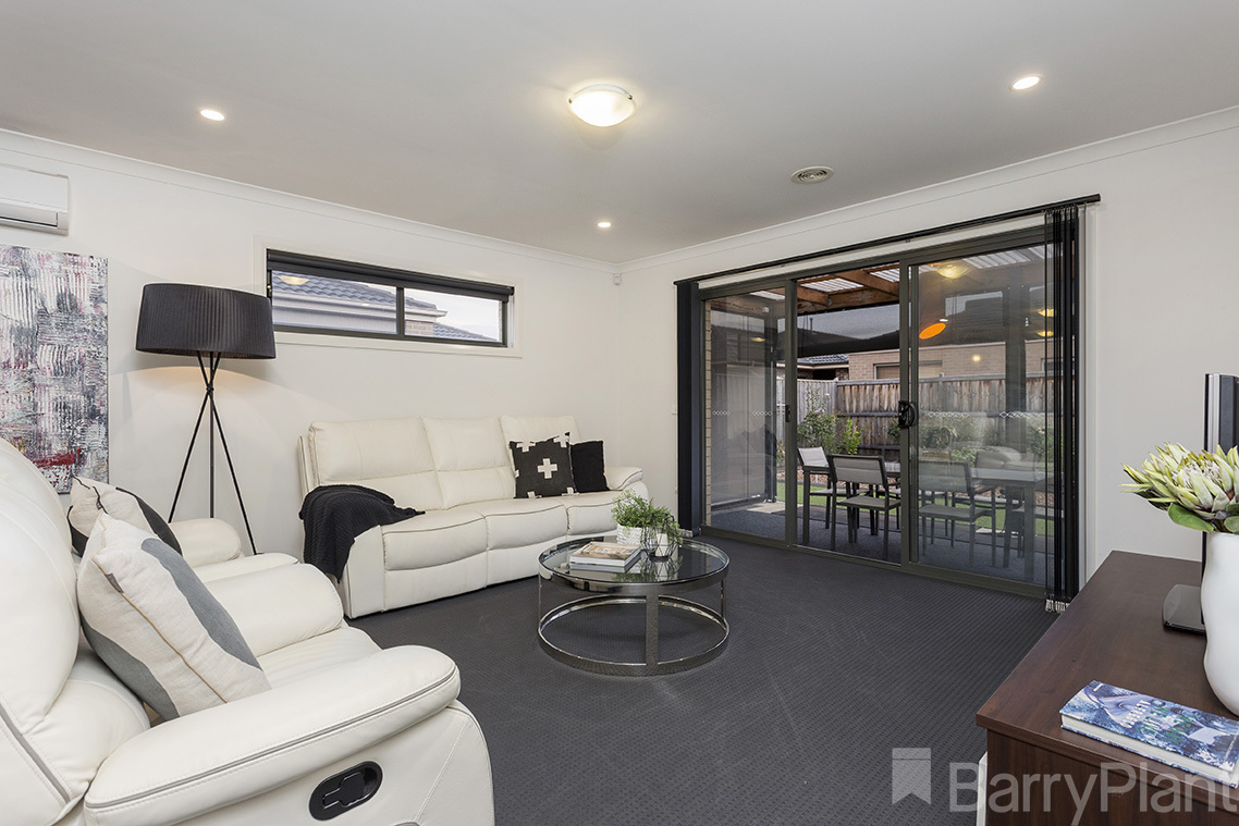 9 Hollywood Avenue Point Cook