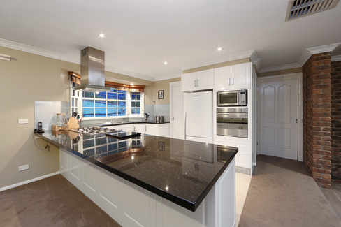 property/554751/10-grenfell-place-lysterfield/ image