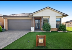 15 Denman Drive Point Cook