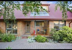 8 Binbrook Drive Croydon