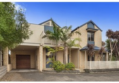 2/24 Dumfries Court Torquay