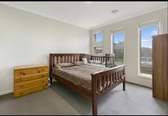 property/571832/3-albany-crescent-pakenham/ image