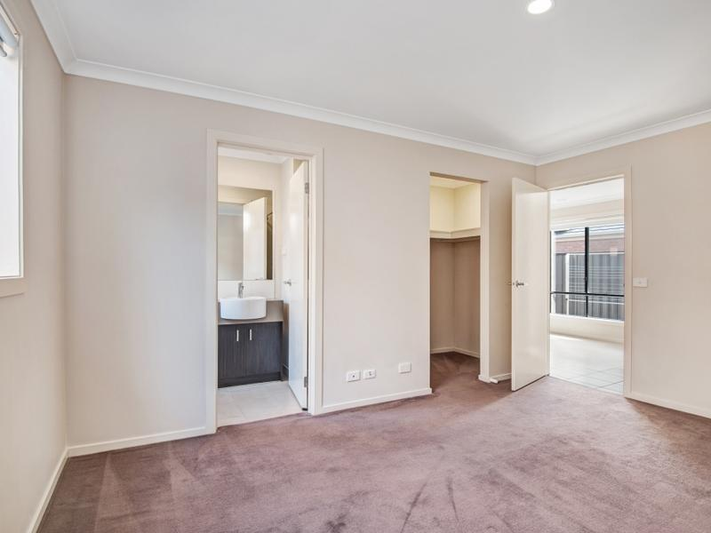 20 Regal Road Point Cook