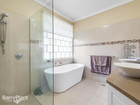 property/554862/12-taruna-rise-montrose/ image