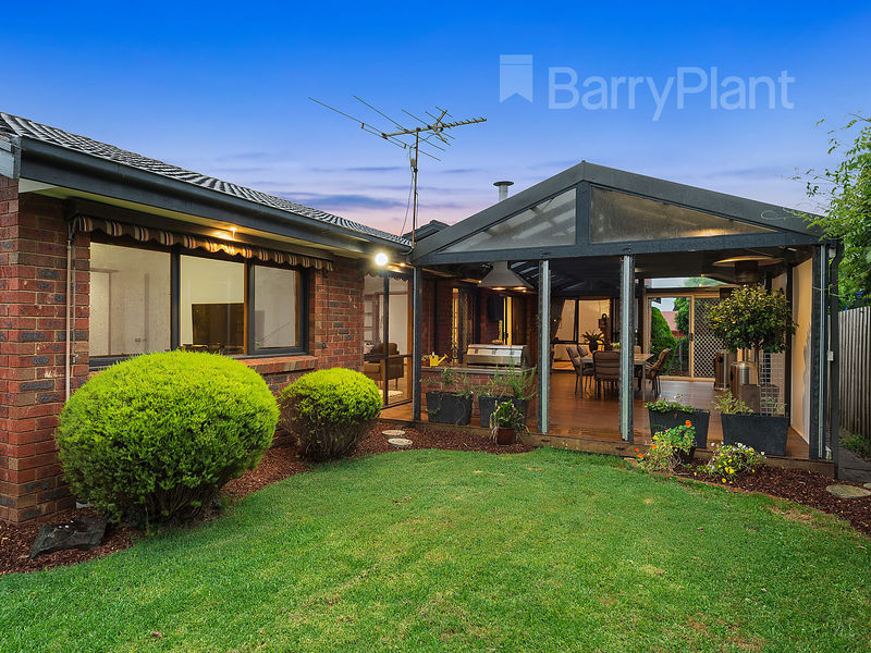 2 Lillee Close Wantirna South