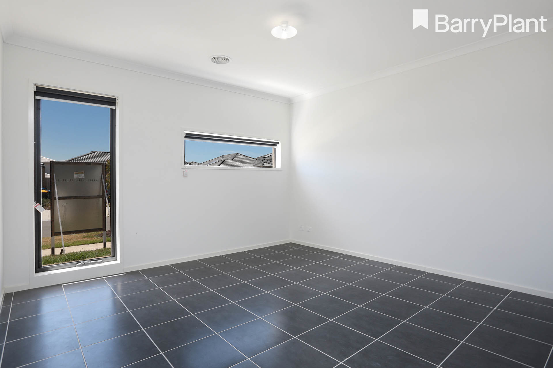 8 Carnegie Road Point Cook