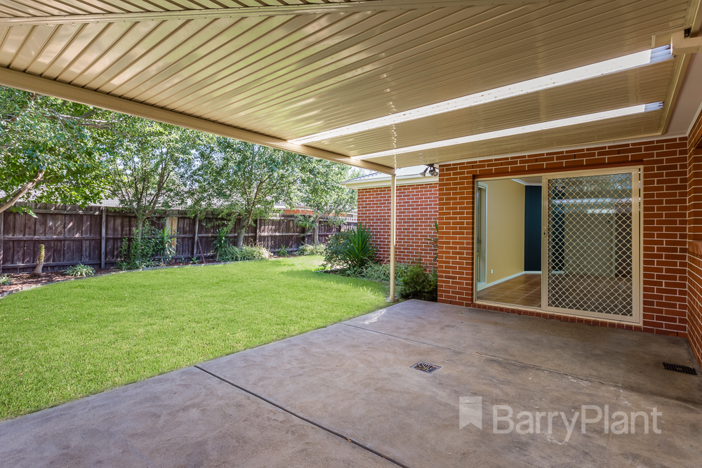 27 Machair Drive Point Cook