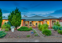 2 Clifton Court Taylors Lakes