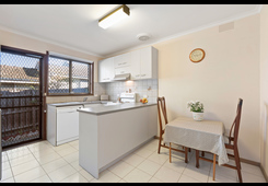 1/72 Nell Street Greensborough image
