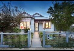 27 Hollington Crescent Point Cook