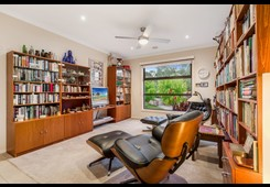 147 Coombes Road Torquay image