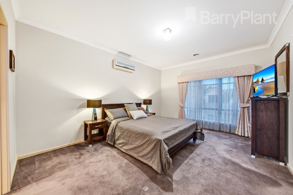 79 Willowgreen Way Point Cook