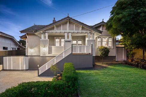 property/573992/2-hawker-avenue-preston/ image