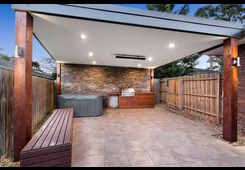 2/4 Campbell Road Briar Hill image