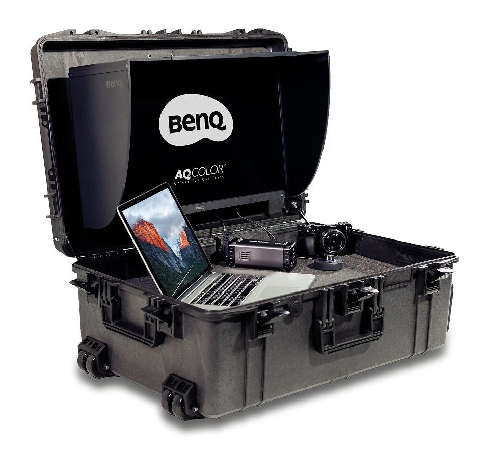 BenQ SX-1 On The Go Monitor Suitcase Image
