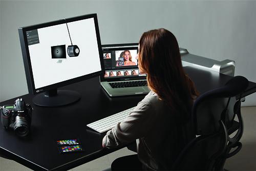 X-Rite i1 Display Pro in use