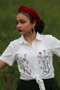 Linen Blouse with Collar and Embroidery
