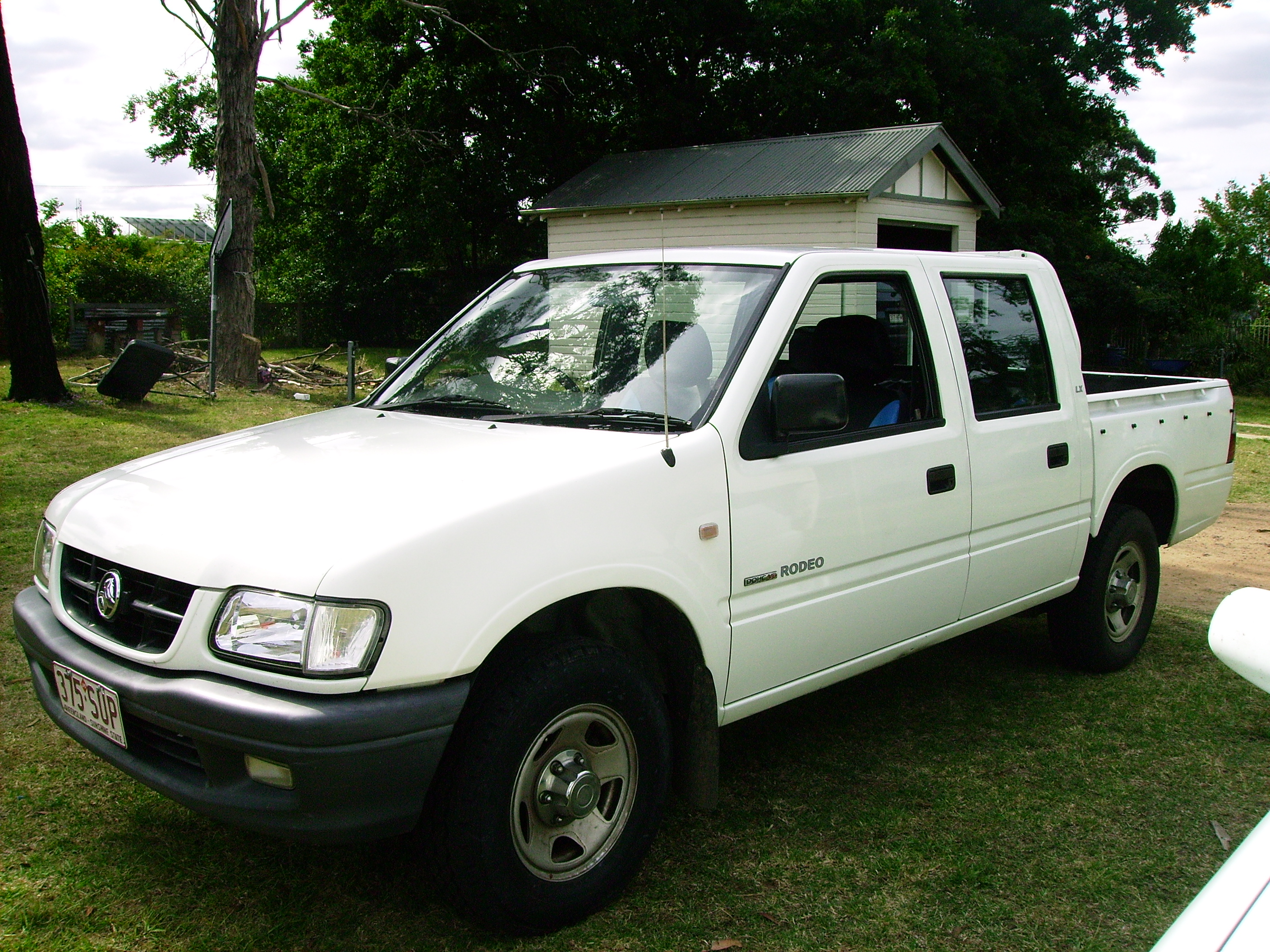 All photos of the renault rodeo 6 on this page are represented for - Holden Rodeo 2002 Gas Petrol