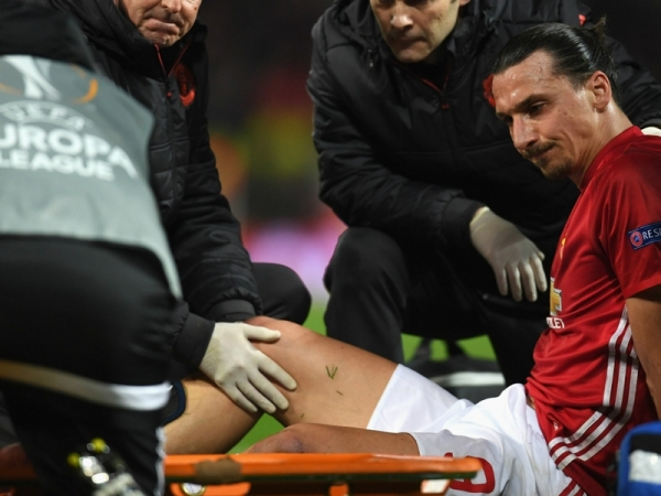 Man Utd star Ibrahimovic ruled out for the season with knee injury