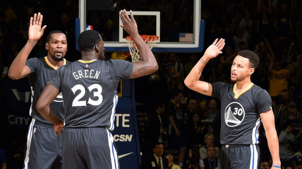 Stephen Curry, Kevin Durant and Draymond Green Named to 2016-17 All-NBA Team